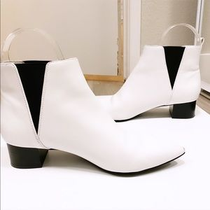 NINE WEST | White Leather Booties